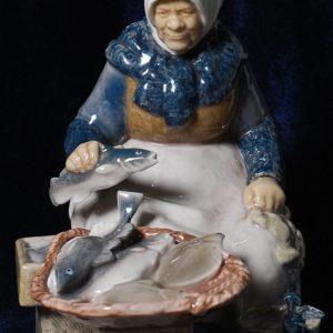 Продавщица рыбы.Bing & Grendahl