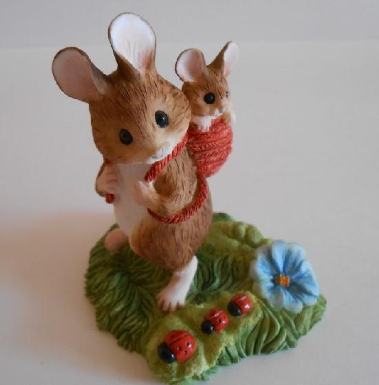 Мышь с малюткой