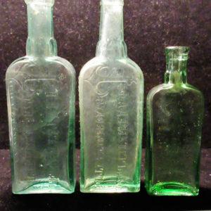 Аптечные бутылочки средство от ревматизма