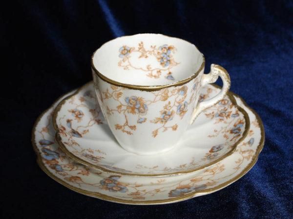 Чашечка для кофе и блюдца