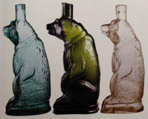 коллекция из стекла бутылочного бутылки-медведи